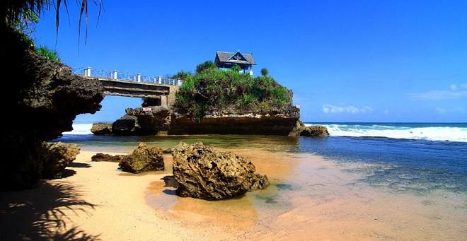 Wisata Pantai di Jogja - Pantai Krakal